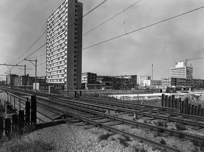 De Oosterspoorbaan tijdens de aanleg van de Venuslaan in 1971.