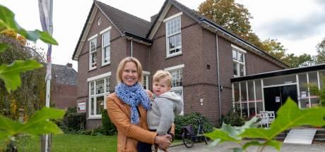 Onrust bij tientallen ouders in Epe nu dagopvang sluit: 'Er is veel paniek'