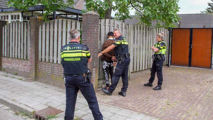 De arrestatie van een van de verdachten van de berovingen van maandag in Deurne.