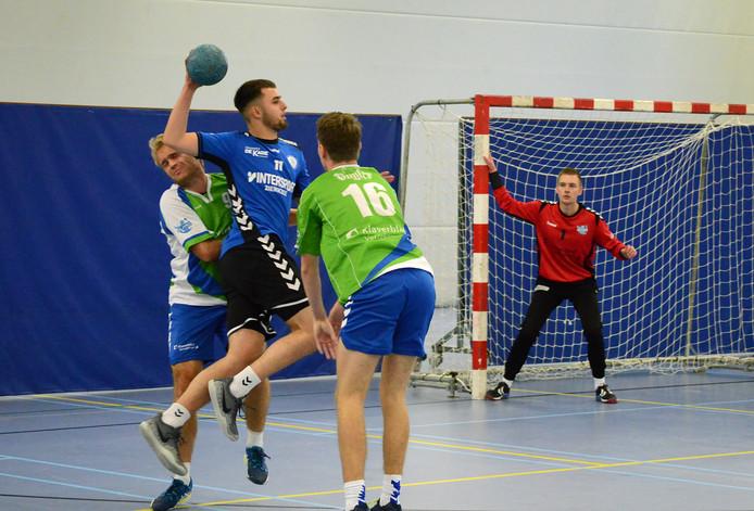 Delta Sport (blauwe shirts) incasseerde zondag een 26-20-nederlaag.