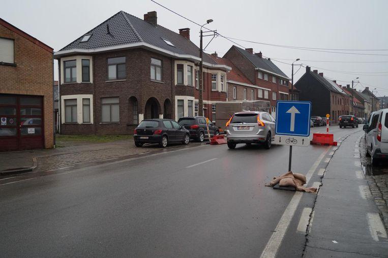 In de stratendriehoek achter het station staat momenteel een proefopstelling met eenrichtingsverkeer.