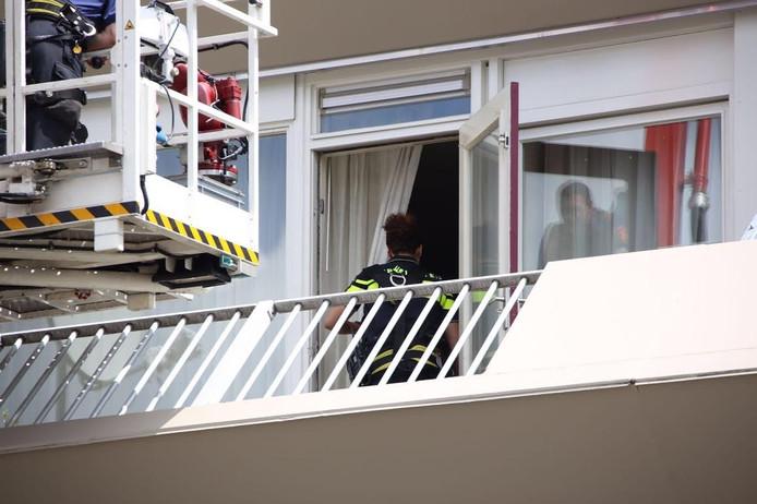 De politie doet onderzoek in de woning.