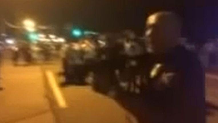 Agent Ray Albers in een screenshot van de omstreden video Beeld YouTube