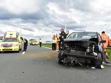 Automobiliste botst tegen vangrail op A12