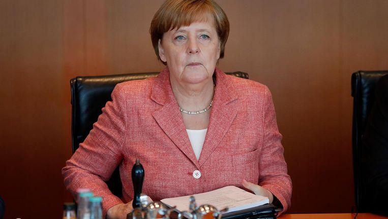 Angela Merkel woensdag bij het begin van de kabinetsvergadering in Berlijn. Beeld epa