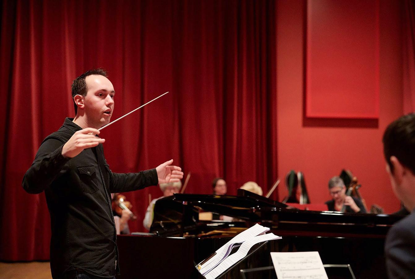Bart van Gorp tijdens repetitie van de Grande Finale in Roosendaal Foto Timo Reisiger