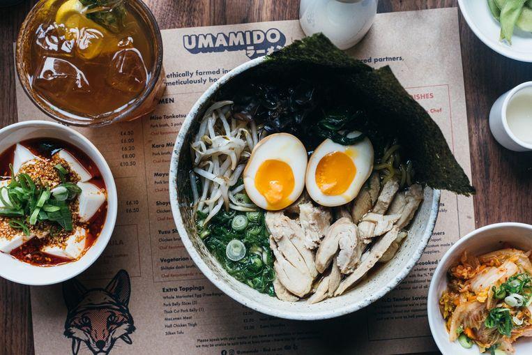 Umamido in de Walpoortstraat serveert naast ramen ook buns en Japanse ravioli.