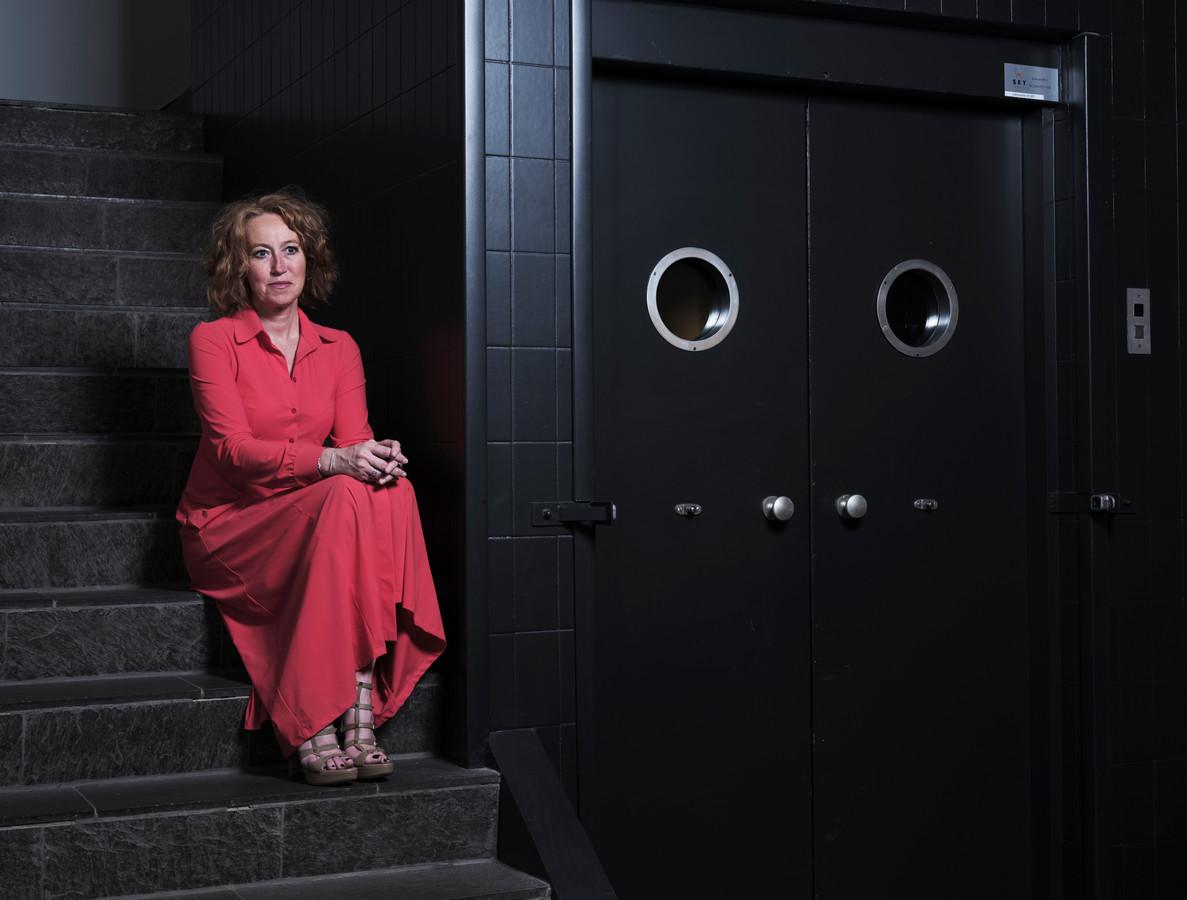 Herna Verhagen in het gebouw van Bink36 in Den Haag waar ze begin jaren '90 haar loopbaan bij PTT Post begon.