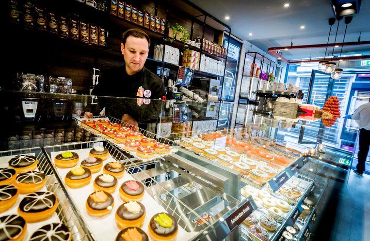 Donderdag opende een vestiging van Dunkin' Donuts in Amsterdam. Beeld anp