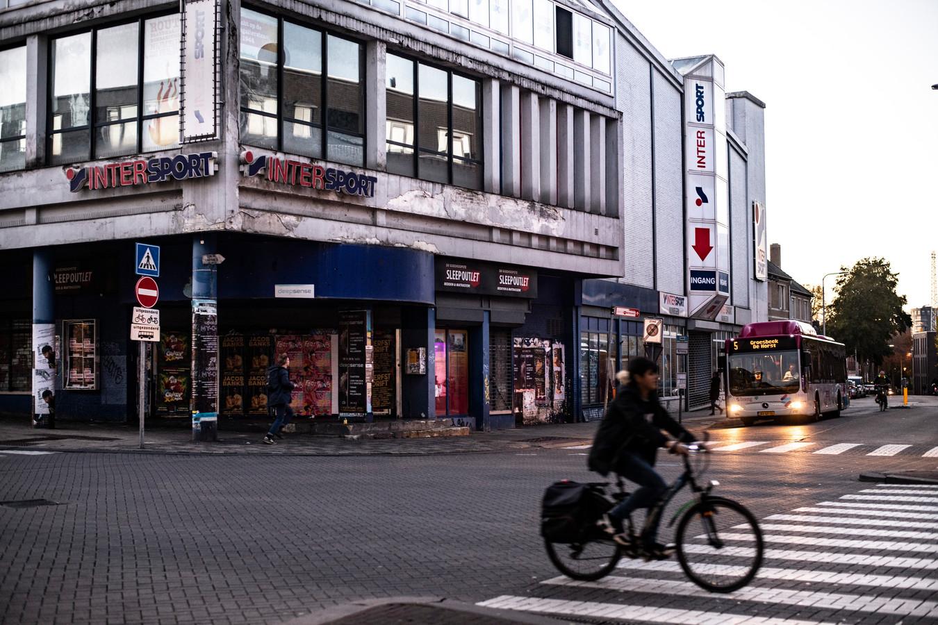 fca2301e2a8 Naoorlogs visitekaartje is nu het spookhuis van de stad | Foto |  gelderlander.nl