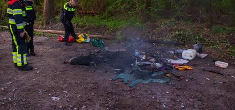 Afval in brand gestoken op parkeerplaats natuurgebied Boxtel