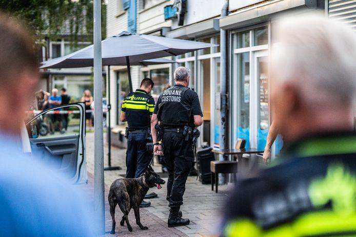 Politie inval bij restaurant El Mero en café Tanger in Malburgen