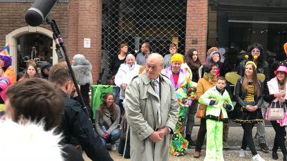 VIDEO. FC De Kampioenen spelen Aalsterse carnavalsstoet na: 500 figuranten brengen de juiste sfeer in de Molenstraat