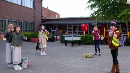 'Eerste schooldag' voor Nijlense scholen, met rode loper, applaus en 'Covid-stewards'