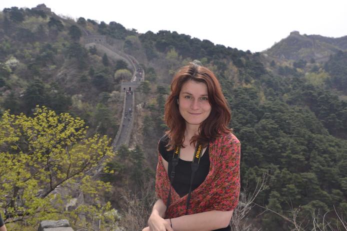 China heeft het hart van Janneke Koster (24) uit Borssele veroverd. Ze woonde er in 2015 een half jaar voor haar opleiding journalistiek en mag er nu een masterstudie gaan volgen.