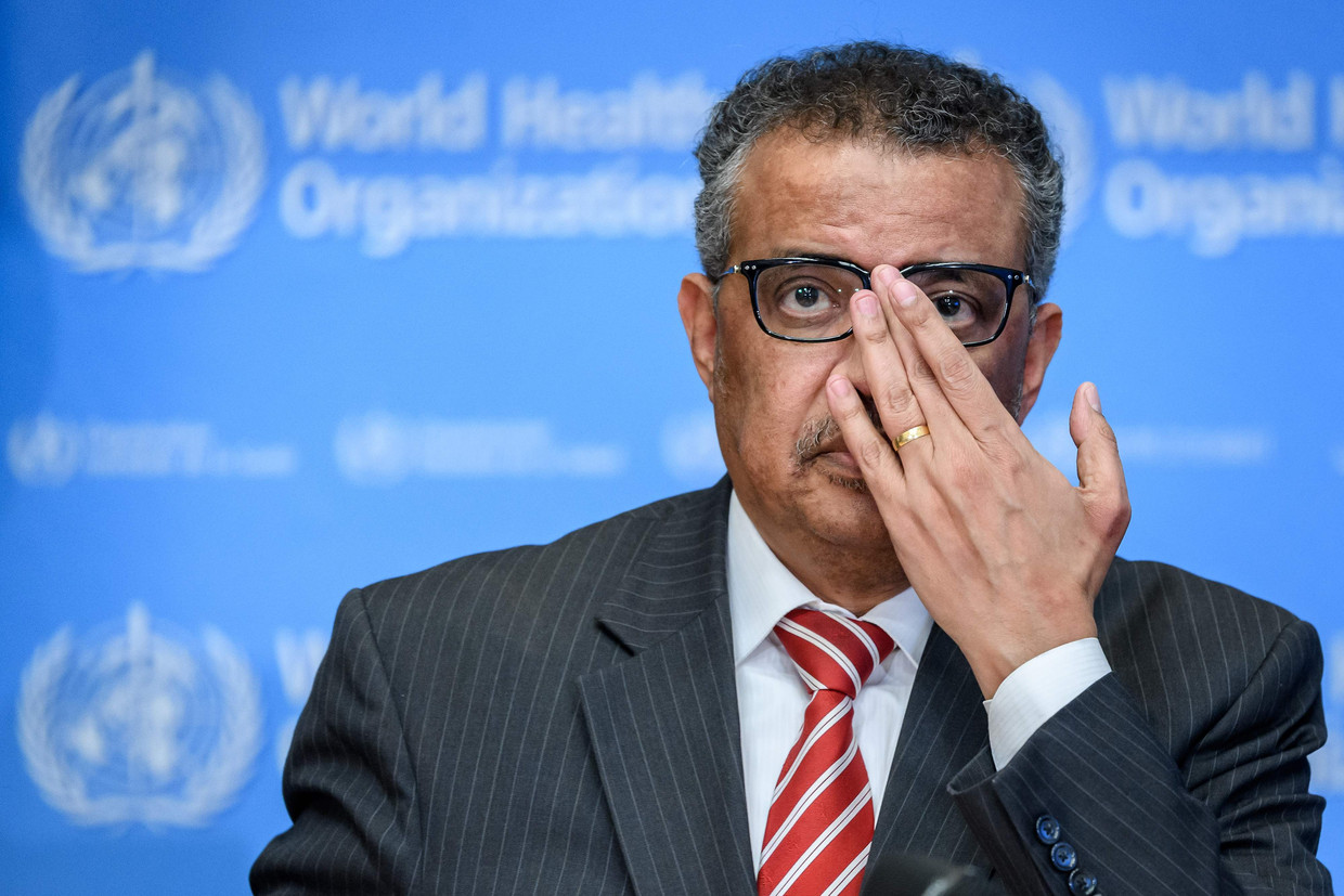 World Health Organization (WHO) Director-General Tedros Adhanom Ghebreyesus attends a daily press briefing on COVID-19, the disease caused by the novel coronavirus, at the WHO heardquaters in Geneva on March 11, 2020. - WHO Director-General Tedros Adhanom Ghebreyesus announced on March 11, 2020, that the new coronavirus outbreak can now be characterised as a pandemic. (Photo by Fabrice COFFRINI / AFP) Beeld AFP