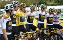 Team Sky tijdens de Tour de France, met Gerraint Thomas in het geel.