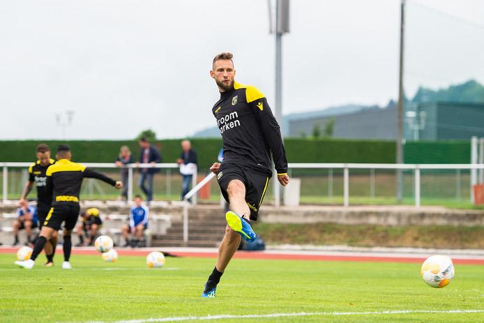 Tim Matavz werkt af op de training in Oostenrijk. Vitesse wil de spits niet verkopen.