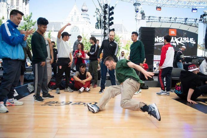 Unbreakable, met WK breakdance