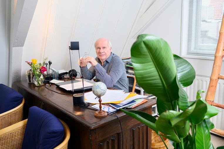 Schrijver Jan Brokken. Beeld Els Zweerink