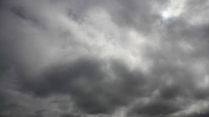 Zwaarbewolkt maar overwegend droog. Volgend week kans op smeltende sneeuw