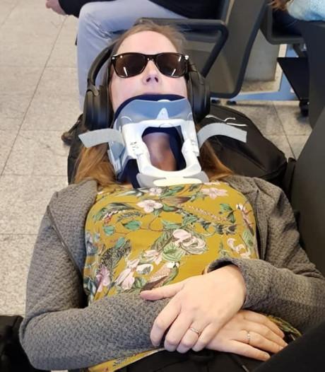 Zieke juf Saskia (33) bereidt zich na vermoeiende reis voor op operatie in Barcelona