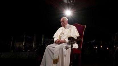 """Paus betreurt """"onverschilligheid en egoïsme"""" bij Kruisweg"""