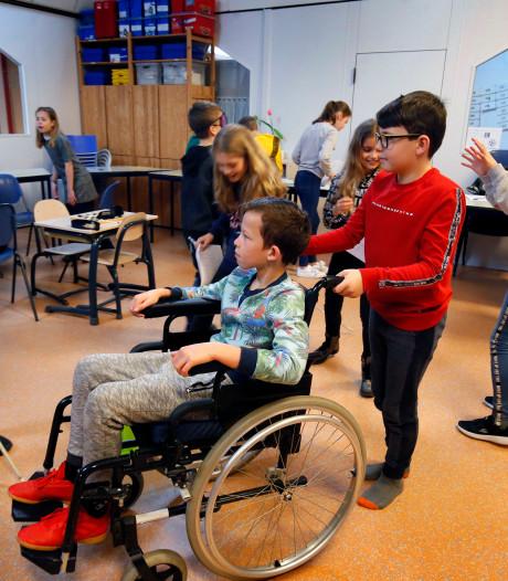 Basisscholieren leren hoe het is om handicap te hebben: 'Ik vind het zielig'