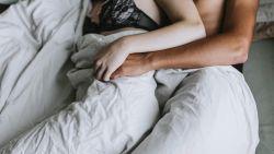 """""""Pijn tijdens de seks is normaal"""" en meer seksmythes die we nog steeds geloven"""