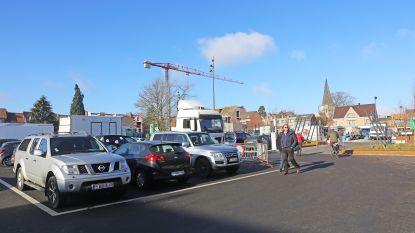 Marktkramers krijgen eigen stukje parking op Hopmarkt