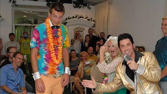 'Elvis' trouwde Eveline en Bastiaan in Las Vegas.