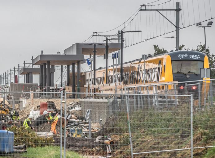 Station Stadshagen is in aanbouw.