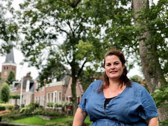 Nelleke Wouters in haar woonplaats Raerd: ,,Het dorpse en overzichtelijke bevalt me hier enorm.''