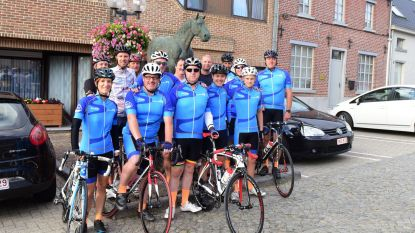 Vrienden van André en Gilberte fietsten naar Middelkerke