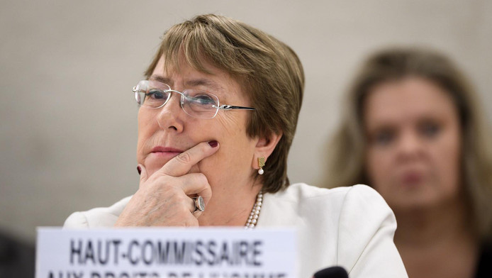 Cette nouvelle mesure s'inscrit dans une série de réformes progressistes impulsées par l'ex-présidente socialiste Michelle Bachelet, dont la dépénalisation de l'avortement.