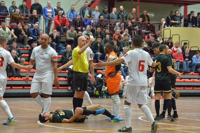 De zaalvoetballers van 't Knooppunt werden in seizoen 2016-2017 nog kampioen.