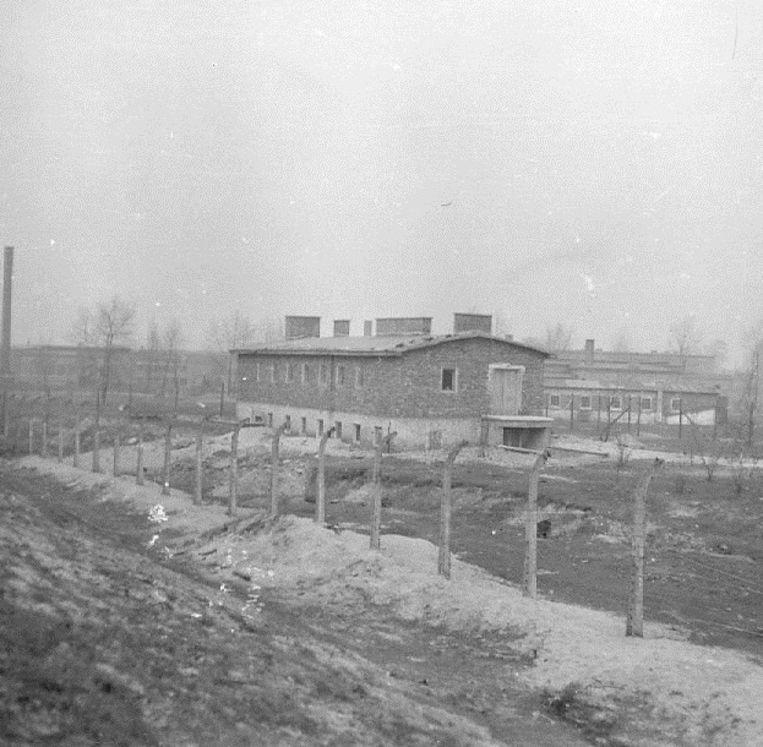 Auschwitz, het gebouw voor het ontluizen van kleren van gevangenen.  Beeld Foto: Museum Auschwitz-Birkenau
