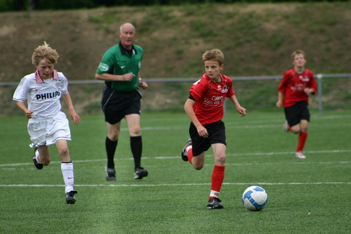 Nick de Louw speelde sinds de E-jeugd voor Helmond Sport.