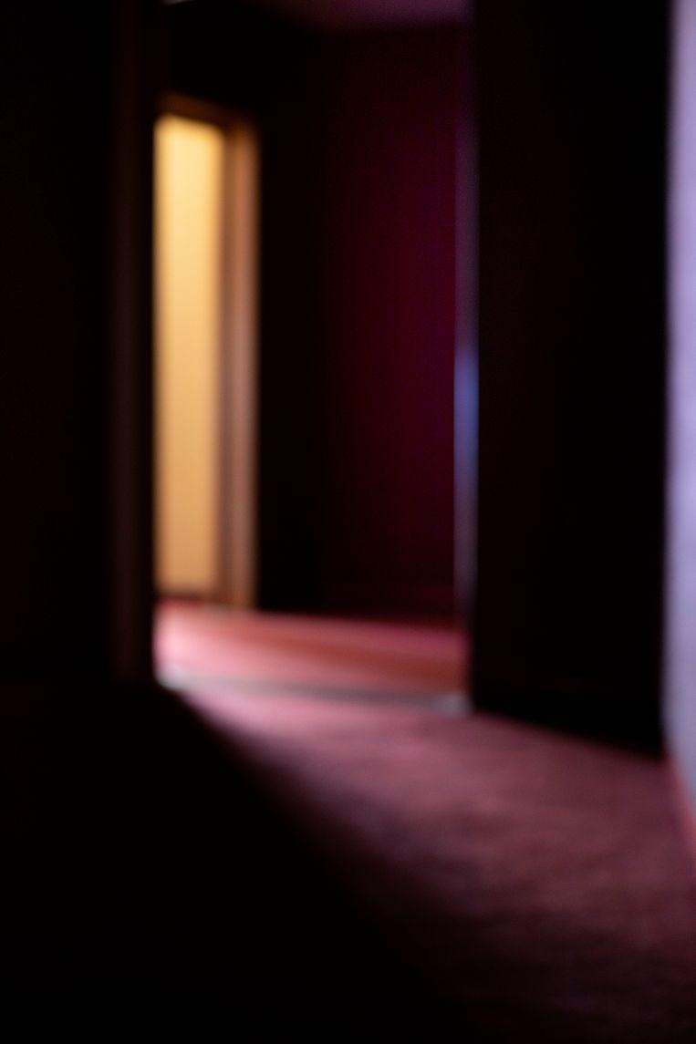 Koen Broos speelt in zijn foto's met licht.