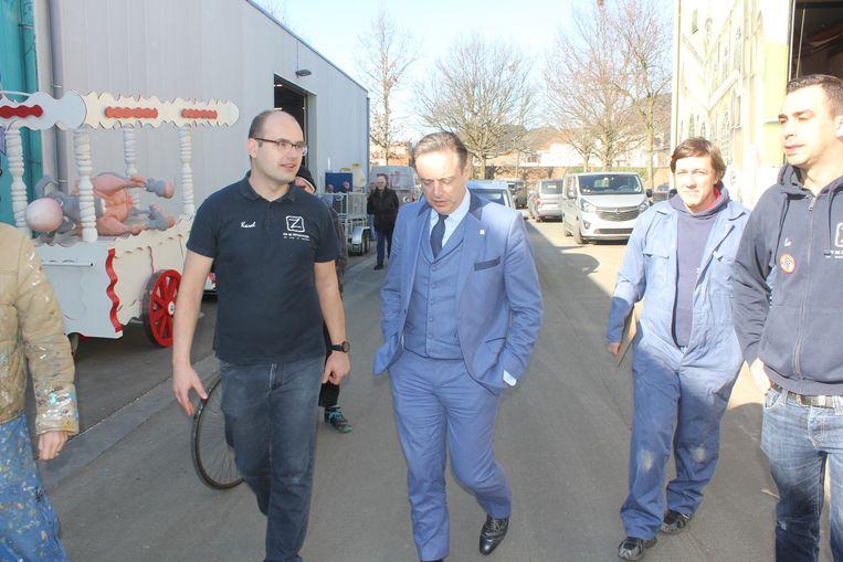 Bart De Wever bezoekt De Zwisjelmoizen.