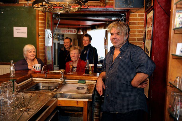 Cultfiguur Wim Marchal, de uitbater van café 't Zevende zegel in Ottenburg.