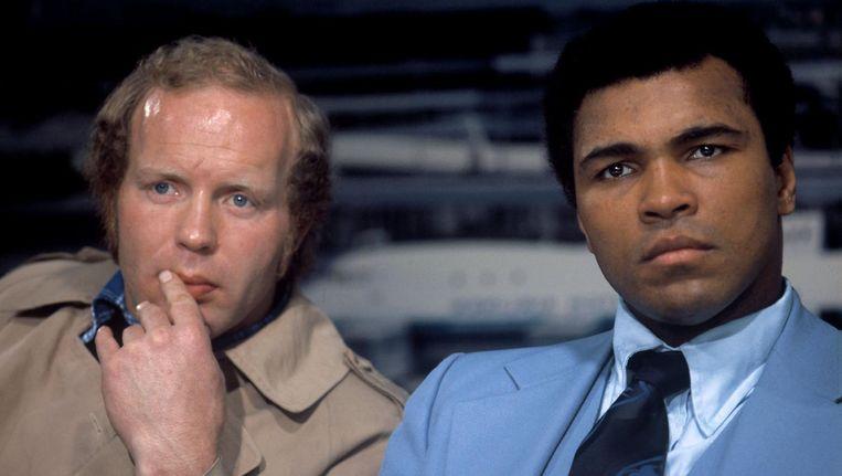 Lubbers (links) is fameus omdat hij het als enige Nederlandse bokser in 1973 opnam tegen bokslegende Muhammad Ali (rechts). Beeld anp