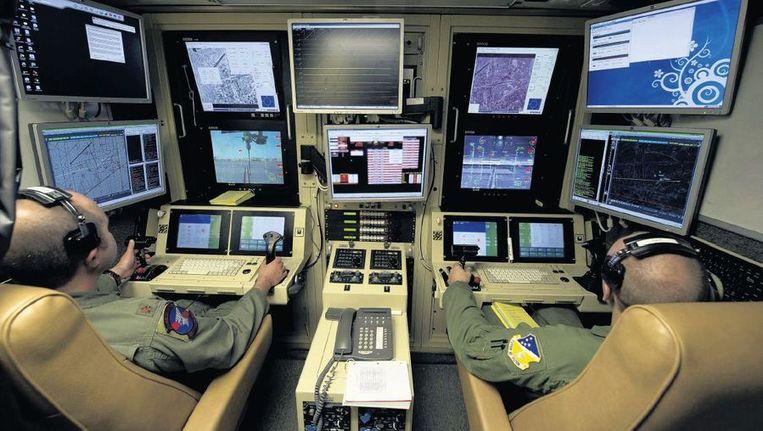 Bestuurders van een MQ-9 Reaper drone tijdens een trainingsmissie in New Mexico. Beeld reuters