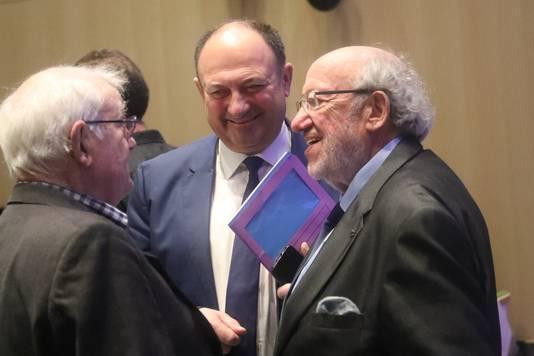 Louis Michel (rechts), hier op de foto met de Waalse minister-president Willy Borsus (midden).