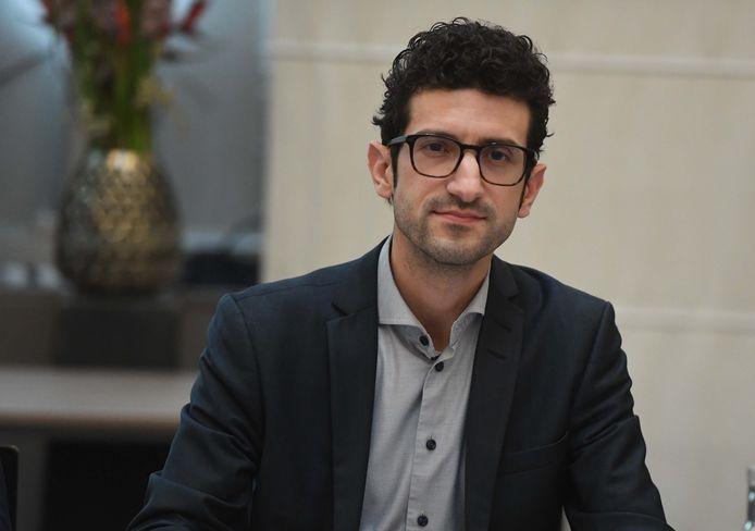 Mohamed Ridouani (sp.a) is de trotse eigenaar van een Dunia-prijs.