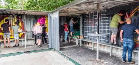 Graffitikunst fleurt hangplek jongerencentrum Fort033 in Leusden op