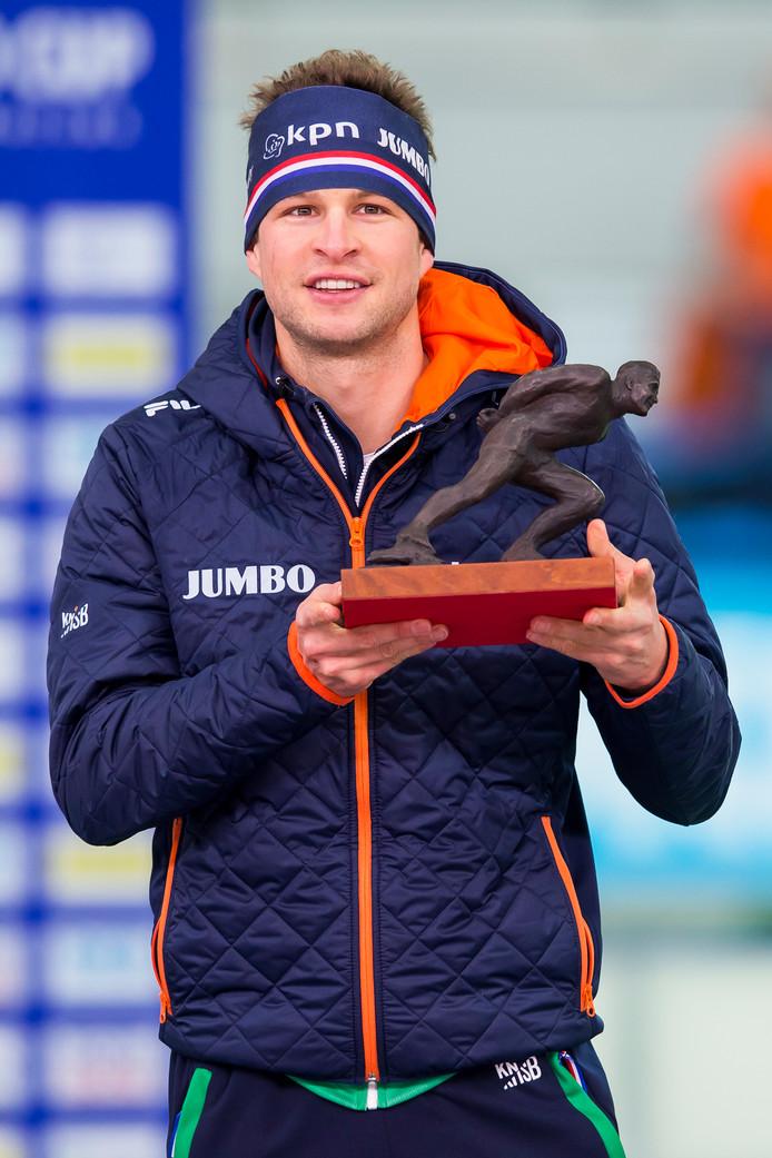 Sven Kramer met de schaats-Oscar.