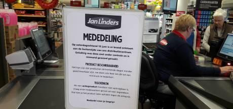 Schappen leeg bij Jan Linders na brand bij distributiecentrum  Bergen