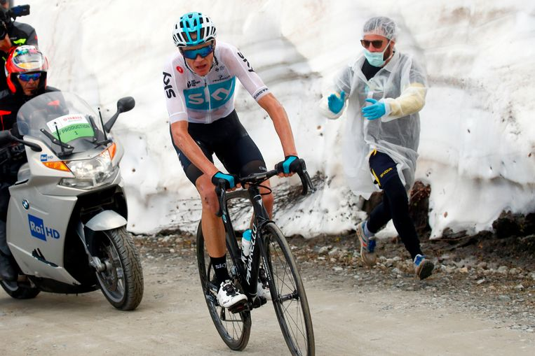 2018-05-25 14:59:31 British rider Christopher Froome in action on the gravel of the Colle delle Finestre in the 19th stage from Venaria Reale to Bardonecchia during the 101st Giro d'Italia, Tour of Italy, on May 25, 2018 in Bardonecchia. / AFP PHOTO / POOL / LUCA BETTINI Beeld AFP