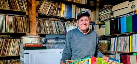 Aart (83) is gek van de grammofoonplaten: 'Het maakt me niks uit wat er opstaat'